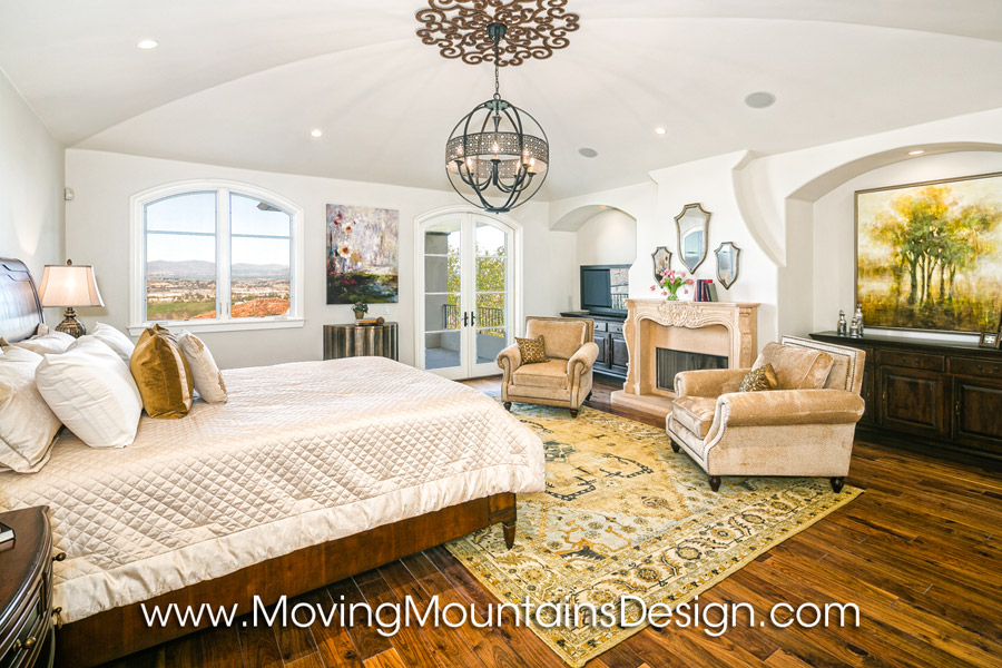 Luxury home staging 2 15 moving mountains design los angeles real estate staging Master bedroom home staging