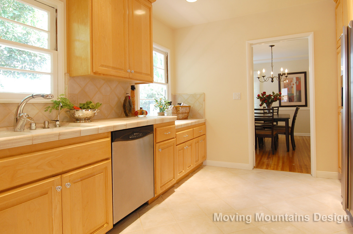 Valley Village Home Staging Kitchen