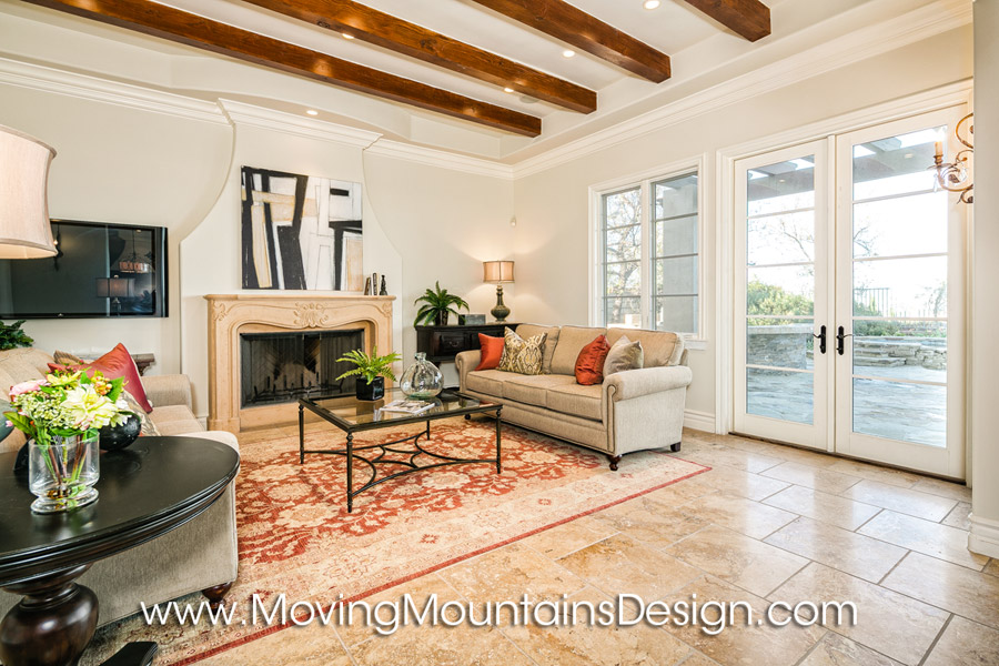 Family room home staging in Valencia